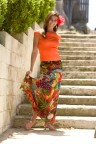 ###OCALA LIFE - Beach fashion at Gator Joe's and Eaton's Beach###Lauren Meyer, 17, Ocala, is Miss Silver Springs for 2004,(dark hair) on the steps to Eaton's Beach, located on Lake Weir, in Weirsdale, FL, Saturday, April 4, 2004. (Jannet Walsh, Star-Banner Photo/NYTRENG).