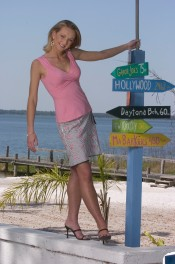 ###OCALA LIFE - Beach fashion at Gator Joe's###Allison Kreiger, 20, from Orlando, is the Miss Ocala/ Marion County for 2004 and is a student at Univeristy of Florida in Gainesville, and is a pre-law student, is at Gator Joe's located on Johnson Beach, on Lake Weir, in Ocklwaha, FL. (Jannet Walsh, Star-Banner Photo/NYTRENG).