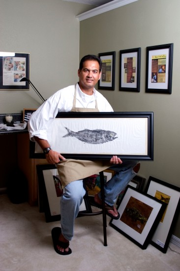 "###NEWS Local artist Bill Lodzinski(cq) specilizies in Gytaku, a Japanese art form of fish rubbing pronounced ""Ghee-yo-tah-koo"". Ocala, FL CONTACT PHOTOGRAPHER 352-598-7976 - cell### Ocala artist Bill Lodzinski (cq) specilizies in Gytaku, a Japanese art form of fish rubbing pronounced ""Ghee-yo-tah-koo"" , prepares a fish, Thursday afternoon, September 15, 2005, Ocala, FL. ( Jannet Walsh/Star-Banner)2005"